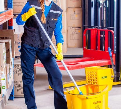 What to know about hiring a professional cleaning company