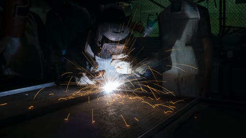5 Benefits of Using Custom Fabricated Metals